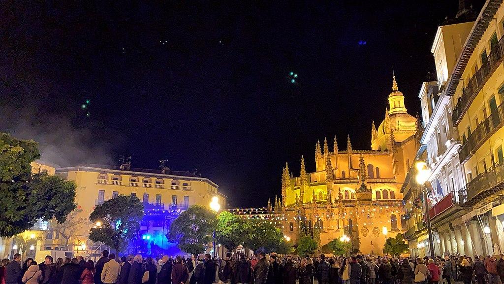 Plaza Mayor é a mais importante de Segóvia
