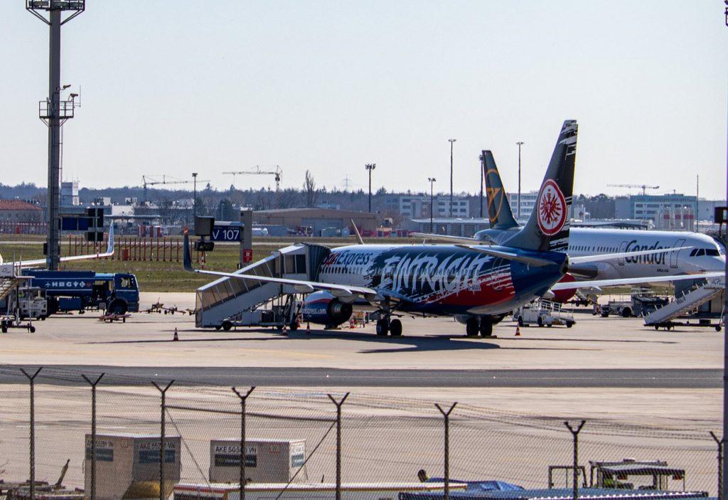 Precisa fazer teste de covid para viajar de avião? E quais as outras regras?