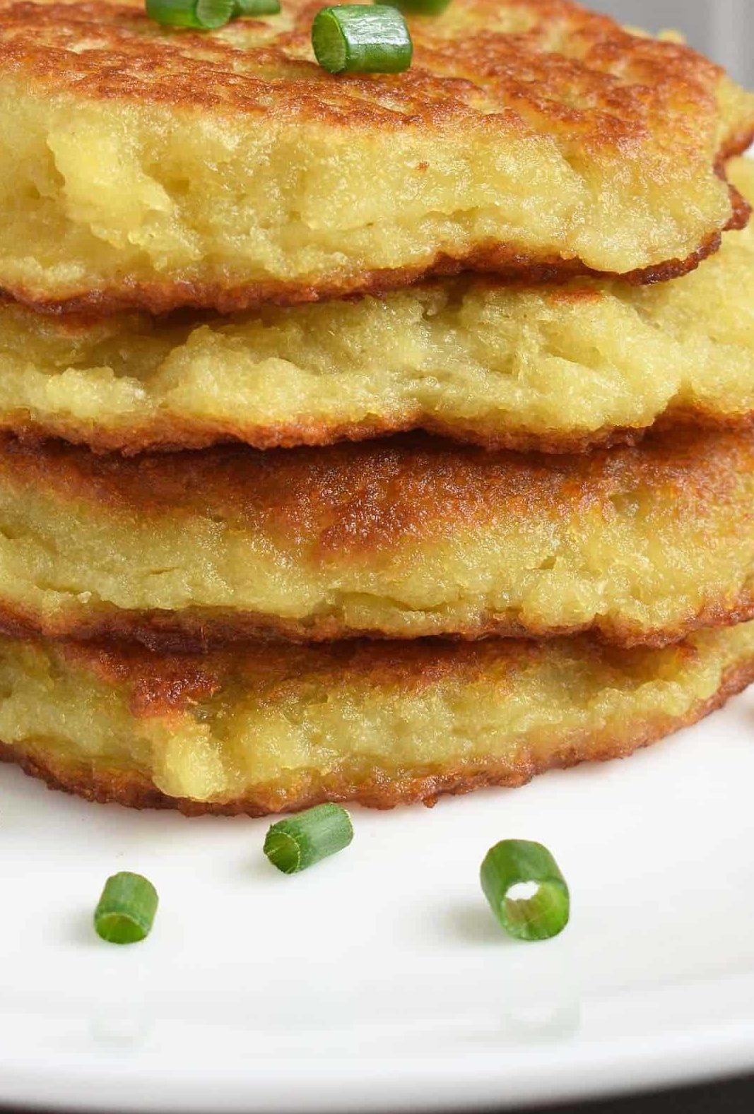 Deruny são panquecas de batatas e estão na lista de quais os pratos típicos da Ucrânia