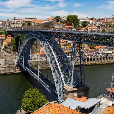 Mercado acredita na retomada de investimentos em imóveis por brasileiros em Portugal: Golden Visa deve ajudar