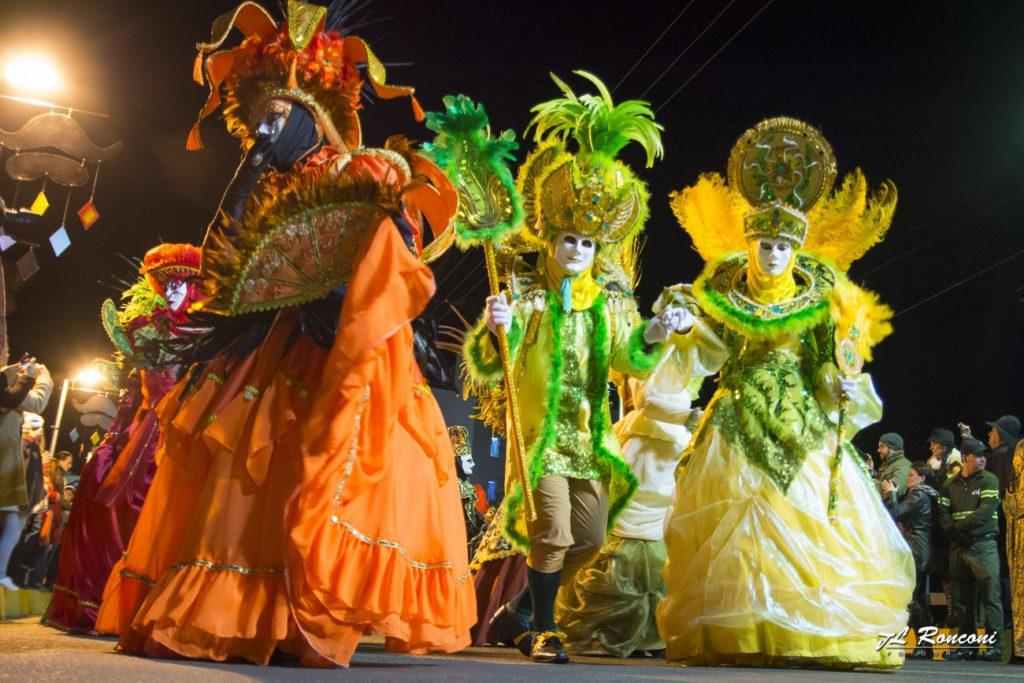 Carnavale Di Veneza, gôndola e gastronomia típica. Tem muito O que fazer em Nova Veneza SC