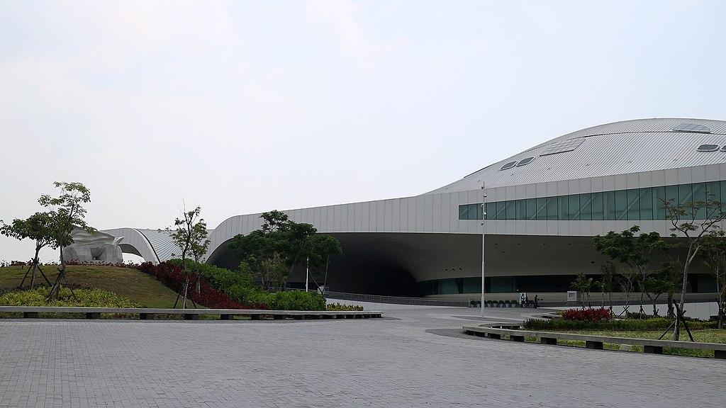 National Kaohsiung Center For The Arts Weiwuying, em Taiwan, representa a Ásia